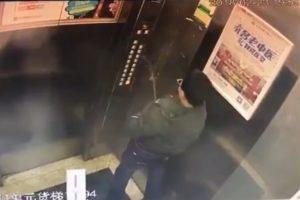 【動画】エレベーターでふざけてオシッコした小学生、3秒で罰が当たるwwwwww