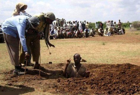 【閲覧注意】ソマリアの死刑方法が残酷すぎると話題に・・・・・(画像あり)