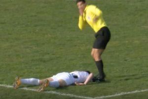 【衝撃】2日前、サッカー選手が試合中に死亡した瞬間の動画がヤバい・・・