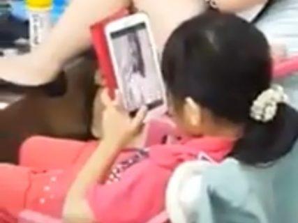 【驚愕】女子小学生が無修正AVを見た結果・・・・・(動画あり)