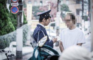 【閲覧注意】警察さん、ガチでヤバい奴に職質してしまった結果… 重体…(動画あり)
