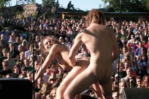 【動画あり】お祭りの時にベランダでセ○クスしたカップルはこうなるwwwww