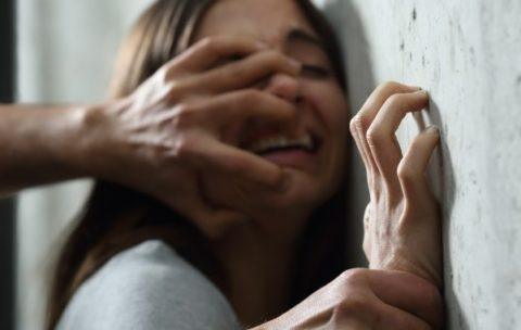 """【閲覧注意】レ●プで刑務所に入れられた男、""""これ"""" をやらなければいけない・・・(動画あり)"""