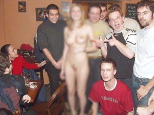 【画像】飲み屋にいるこういうスケベ女が大好きな奴wwwwwwww