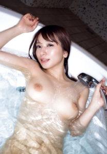 【画像】外国人100人中99人が「ヤリたい」日本の全裸美女がこちらですwwwwww