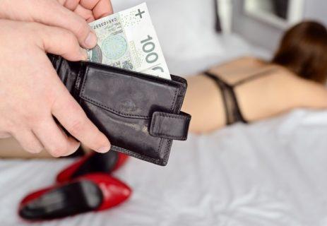 """【閲覧注意】売春婦の女さん、""""最悪の家"""" に呼ばれてしまいこうなる・・・(画像あり)"""