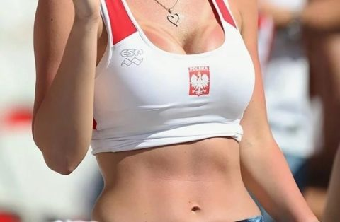 【画像】日本代表が次に戦うポーランドに凄くHなサポーターがいると話題にwwwww