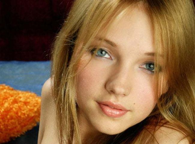 東欧のAV女優さんがJCにしか見えない天使のヌード画像
