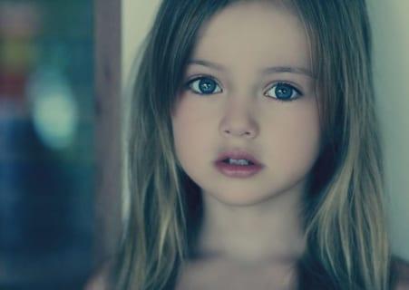 「世界で最も美しい女の子」と言われた美少女、4年経った現在の姿がこちら…(画像あり)