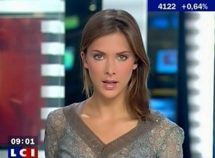 【衝撃】超美人ニュースキャスター、おっぱいをポロリしてしまうwww(画像あり)