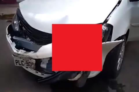 """【閲覧注意】バイクの運転手さん、千切れて """"車の一部"""" になってしまう…(動画)"""