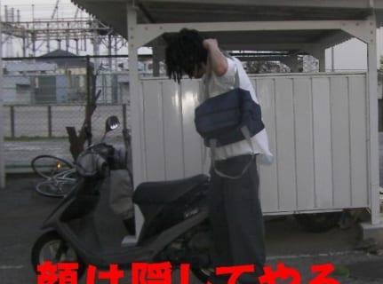 【閲覧注意】DQN「バイク盗んだろ!」 ⇒ 10分後、とんでもない罰が当たる(動画あり)