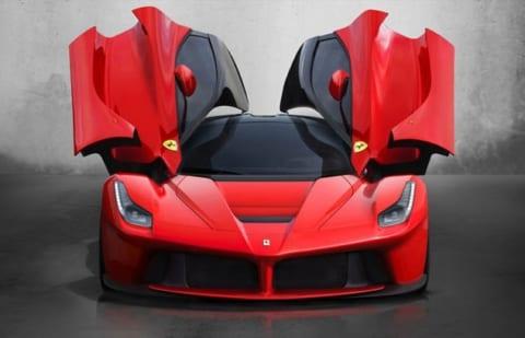 【超絶悲報】2.4秒で100km/hに到達する「1億円のフェラーリ」を素人が運転した結果www