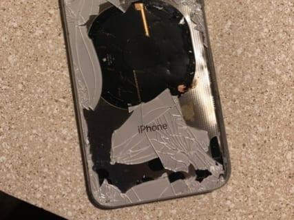 【恐怖】iPhone XをiOS 12.1にアップデートしようとしてる奴、これ見ろ…