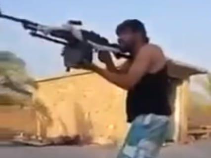 【衝撃映像】イラクの凄腕スナイパーがどれだけ驚異的かをご覧ください・・・・・