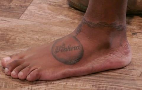 【狂気】アメリカ人女性、彼氏の黒人男性に「奴隷の鎖」タトゥーを入れ全米で話題に。しかもその後…