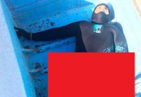 """【閲覧注意】サメに襲われたダイバー。世界中を震撼させた """"2枚の写真"""" がこちらです…"""