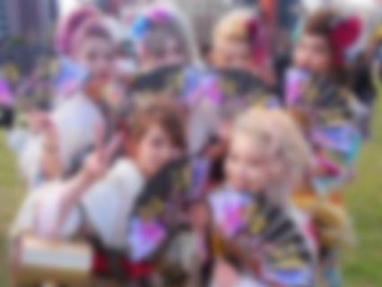 """【悲報】日本の成人式の """"ヤバい奴ら"""" 、海外で紹介されてしまう…(画像あり)"""