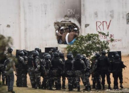 【閲覧注意】ブラジルのギャング vs. ブラジルの警察。あまりにも圧倒的だった・・・
