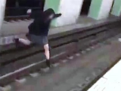 【閲覧注意】ギャル2人、電車に轢かれ恐ろしい姿になる(動画あり)
