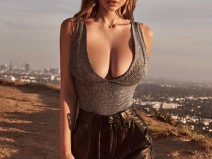 """【画像】""""SEXのために生まれてきた"""" アメリカの爆乳モデル(20)、マジで凄すぎる"""