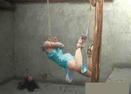 【閲覧注意】めちゃくちゃ拷問されたんだろうな・・・って女性が発見される(画像あり)