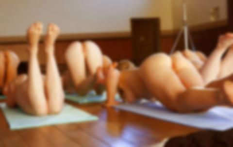 """【無修正】全裸ヨガしてる美女を """"後ろから"""" 撮った動画。めちゃくちゃヌケると話題にwww"""