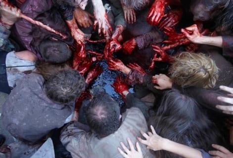【閲覧注意】街中で女が男に内臓を取り出されてて震えた…(動画あり)