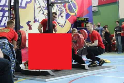 【閲覧注意】パワーリフティング選手権大会で250kgをあげた選手が…これはアカン…