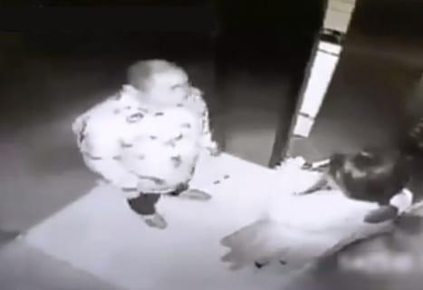 「エレベーター女子高生レ●プ事件」の映像が公開されたけど怖すぎるだろ・・・(動画あり)