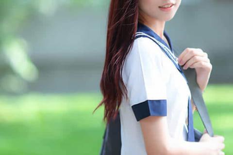 【画像】学校でモテモテの女子中学生(12)、登校中暴漢に襲われこうなる