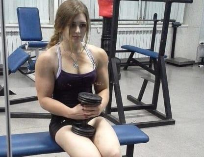 【衝撃】5年前「物凄い筋肉、可愛すぎる顔」と話題になったロシア少女(17)、現在の姿がこちら…
