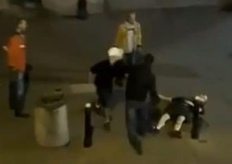 【衝撃】ボクサーが街の喧嘩自慢2人と喧嘩した結果・・・たった5秒で・・・