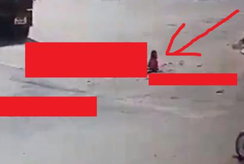 """【閲覧注意】""""一瞬で体の半分が無くなった女"""" の動きが怖すぎる…(動画あり)"""