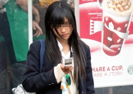 海外「日本の女子高生がヤリマンだとしか思えない写真」(15枚)
