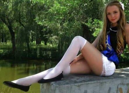【画像】ロシアの女子高生のスカートの中wwwwww