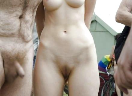 【闇深】全裸の男性に狙われまくっている可愛い女の子が発見される