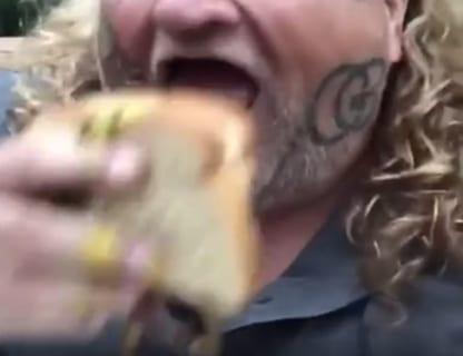 """【閲覧注意】""""食べたら死ぬ可能性があるサンドイッチ"""""""