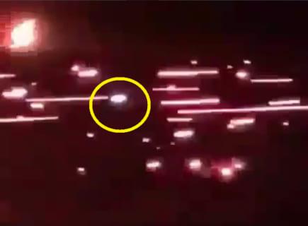 【衝撃】軍隊がUFOを見つけ、数百の攻撃で撃墜しようとした結果・・・