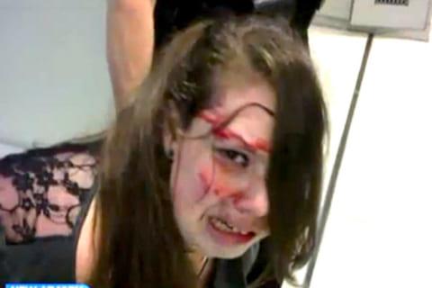 【動画】男に殴られるわけないと思ってる女をフルスイングでぶん殴った結果…