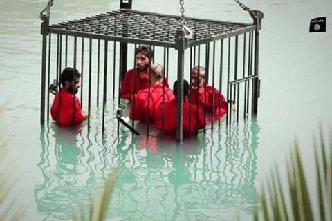 【超!閲覧注意】水死、火炙り…。ISISがどれだけヤバかったかがよく分かる動画