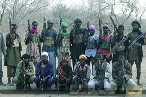 【閲覧注意】アフリカの盗賊7人を殺した結果…2週間後 仲間の盗賊が村にやって来て…(画像)