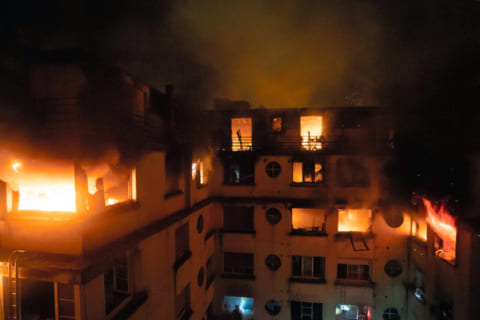 【閲覧注意】マンションの火事現場を絶対に見てはいけない理由