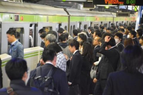 【画像あり】日本人の男性が海外サイトで「マジでヤレる」と話題に