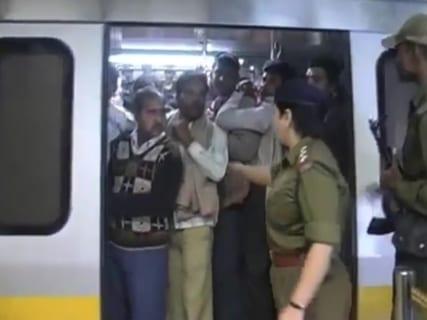【衝撃】インドで男性が女性専用車両に乗ったらこうなるwwwwww