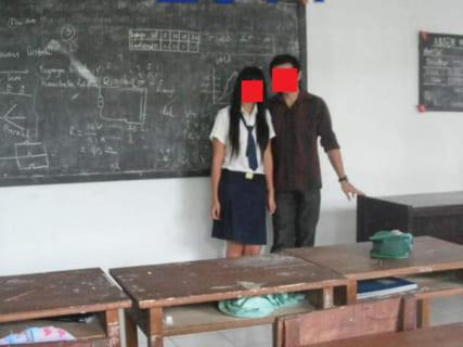 【画像あり】中1美少女、担任の先生とセ○クスし続けてしまう・・・・・