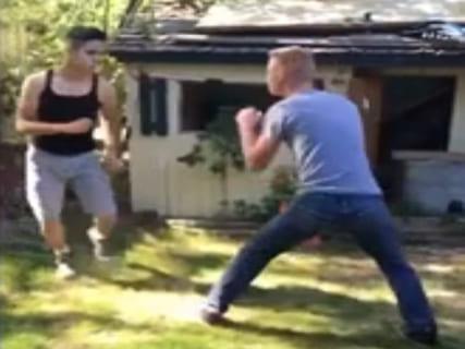 【衝撃】ボクシング経験者 vs. 街のケンカ自慢が喧嘩した結果wwwwww