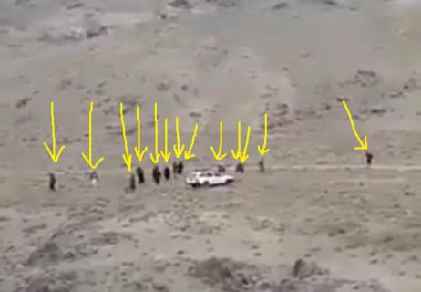 【衝撃映像】謎の車に近付いた15人が瞬死する動画、怖すぎる