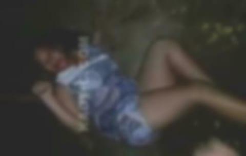 【閲覧注意】女が女にボコられ、燃やされる映像、怖すぎる