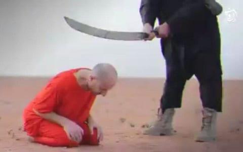 【超!閲覧注意】斬首された男性、なぜか生き延びてしまう・・・(動画あり)